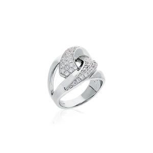 经典银戒指镶入白色7